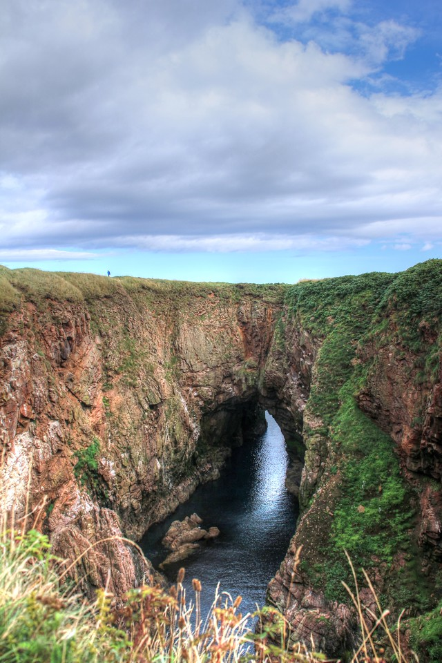 Sea arch at Bullers o'Buchan