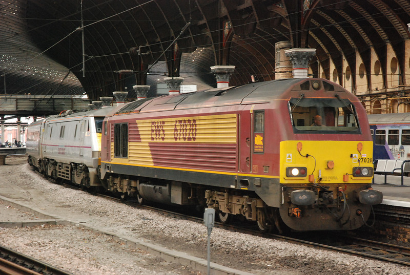 67 020 <br /> <br /> Location York <br /> <br /> Arriving York after dragging in 91131 on 1S04 Kings X - Edinburgh