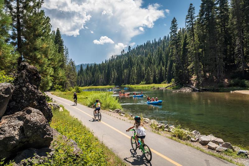 Truckee River Bike Path - River Rafting