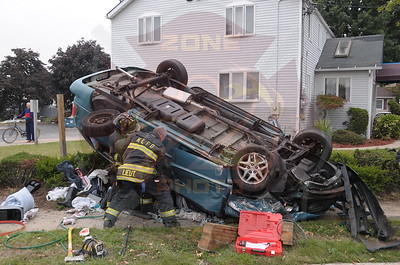 North Lindenhurst F.D. MVA w/ Overturn and Entrapment  Buffalo Ave. and Sunrise Hwy. 9/29/14