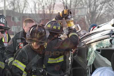 North Lindenhurst F.D.  MVA w/ Overturn and Entrapment   Wellwood Ave. and Sunrise Hwy. 12/25/19