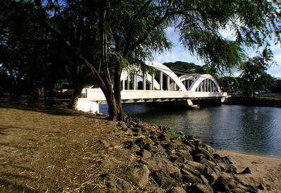 Rainbow Bridge over the Anahulu River Haleiwa Town 2003