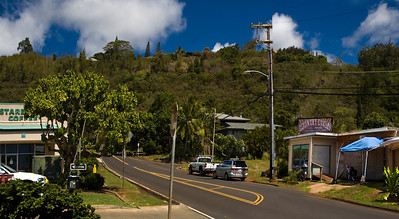 Country Cycles  is on Pupukea Road - mauka of the Kamehameha Hwy by Shark's Cove, across from Foodland - Sorry, this is a restaurant now.  North Shore of O'ahu  081508.143904