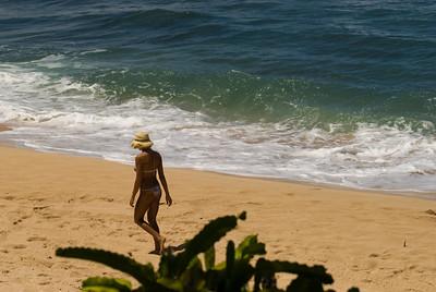 090913 121104 beachwalking
