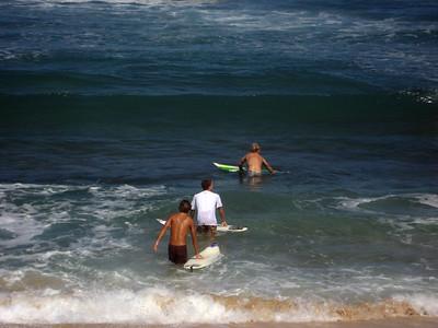 090911 094039 surfers
