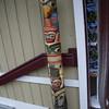 totem poles all over da place