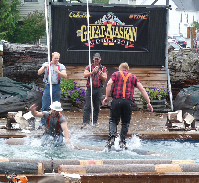 In the end, Hard Hat's tricks were to no avail; Curt was the log-rolling winner