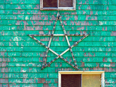 house facade with star at port felix