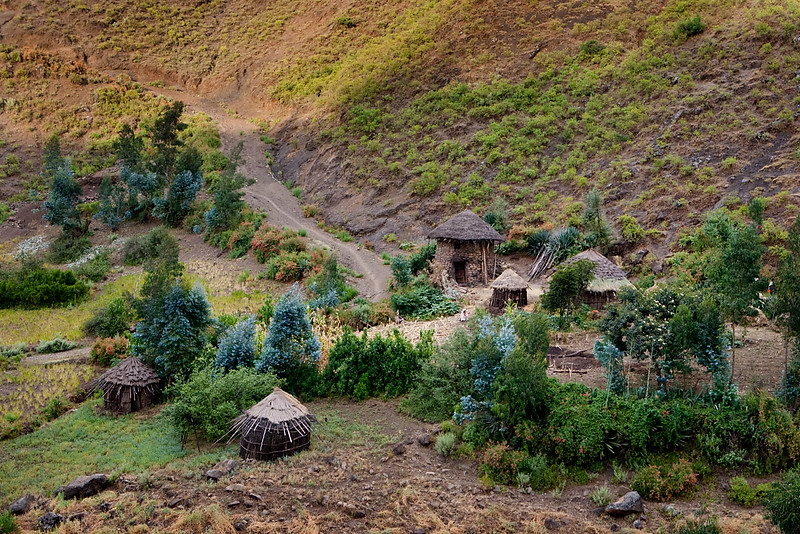 Small village on the way to Yemrehanna Kristos church - Lalibela