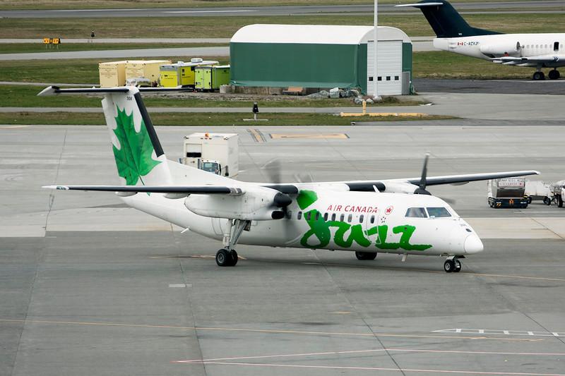 """C-FACF de Havilland Canada DHC-8-311A """"Air Canada Jazz"""" c/n 259 Vancouver/CYVR/YVR 26-03-11"""