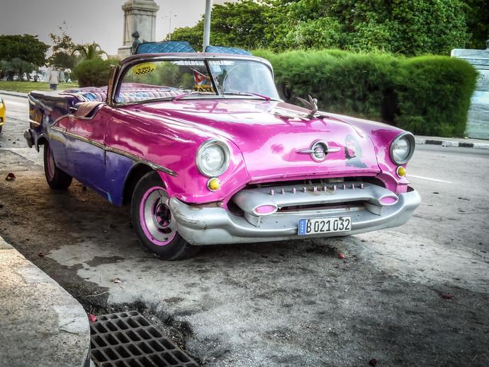 cuba old car taxi
