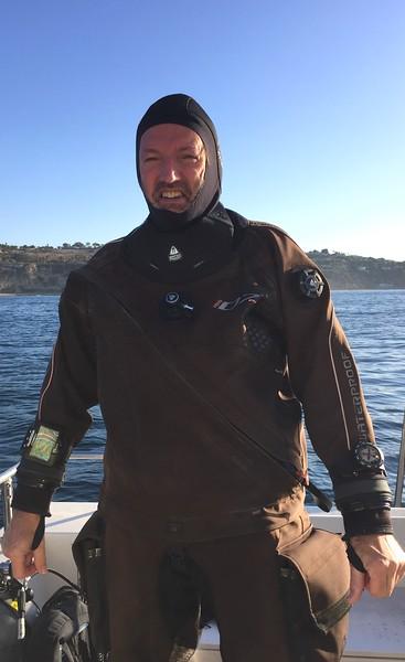 Phil Garner, gearing up on the No Pressure.<br /> Kevin's Reef, Palos Verdes, California