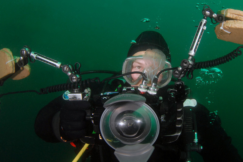 Scott G., looking at a salp<br /> Open water, offshore LAX