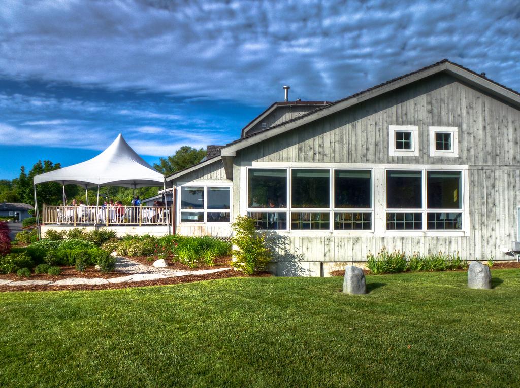 boathouse restaurant traverse city michigan
