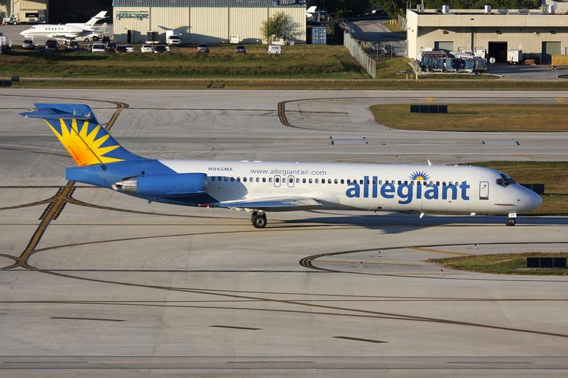 "N945MA Douglas MD-87 ""Allegiant Air"" c/n 49725 Fort Lauderdale-International/KFLL/FLL 02-12-08"