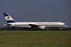 N750AT Boeing 757-212 c/n 23126 Glasgow/EGPF/GLA 11-08-95 (35mm slide)