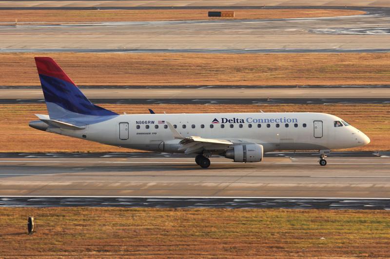 N86RW Embraer EMB-170-100SU c/n 17000129 Atlanta-Hartsfield/KATL/ATL 30-11-08