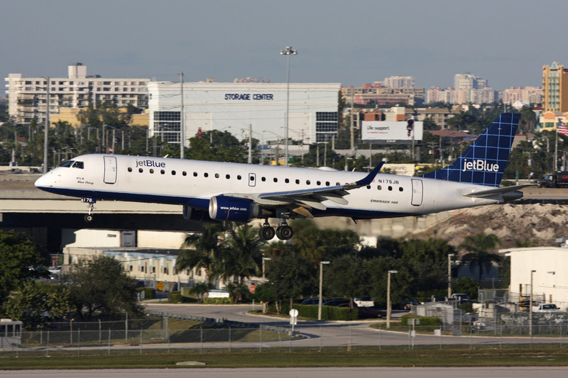 "N178JB Embraer EmB-190-100IGW c/n 19000004 Fort Lauderdale-International/KFLL/FLL 02-12-08 ""Windowpane"""