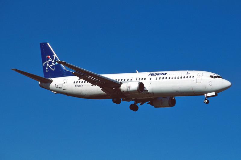 """N254RY Boeing 737-4Y0 """"Ryan International Airlines"""" c/n 24690 Las Vegas/KLAS/LAS 11-03-04 """"TransGlobal Vacations"""" (35mm slide)"""
