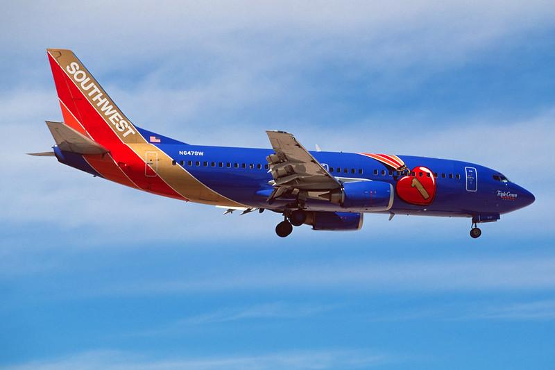 """N647SW Boeing 737-3H4 c/n 27717 Las Vegas/KLAS/LAS 10-03-04 """"Triple Crown"""" (35mm slide)"""