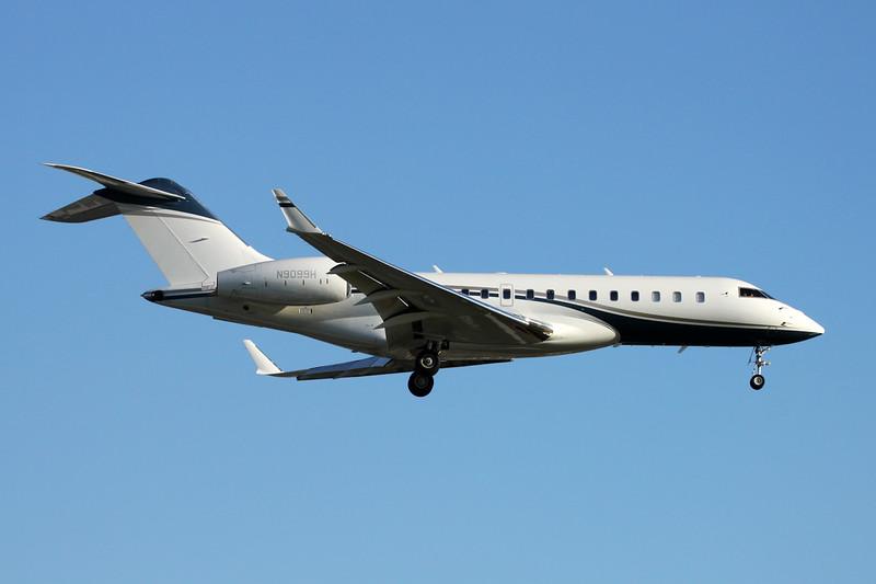 N9099H Bombardier Global 6000 BD-700-1A10 c/n 9557 Paris-Le Bourget/LFPB/LBG 09-07-16