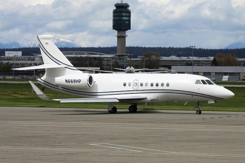 N669HP Dassault Falcon 2000LX c/n 83 Vancouver/CYVR/YVR 27-04-14