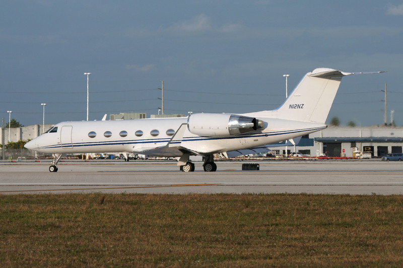 N12NZ Gulfstream G4SP c/n 1376 Miami/KMIA/MIA 04-12-08