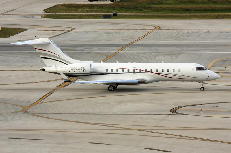 N203JE Bombardier BD-700-1A10 Global Express c/n 9019 Fort Lauderdale-International/KFLL/FLL 06-12-08