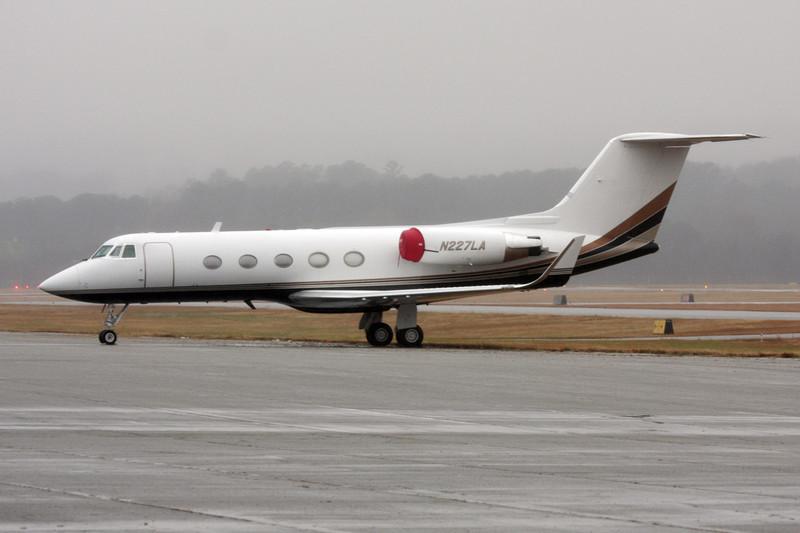 N227LA Gulfstream G2SP c/n 193 Fulton-County/KFTY/FTY 30-11-08