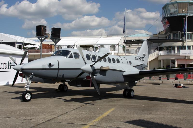 N352BC Beech 350 Super King Air c/n FL-463 Paris-Le Bourget/LFPB/LBG 16-06-09