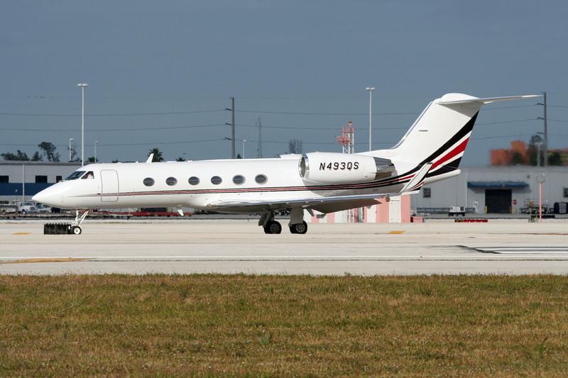 N493QS Gulfstream G4SP c/n 1293 Miami/KMIA/MIA 04-12-08