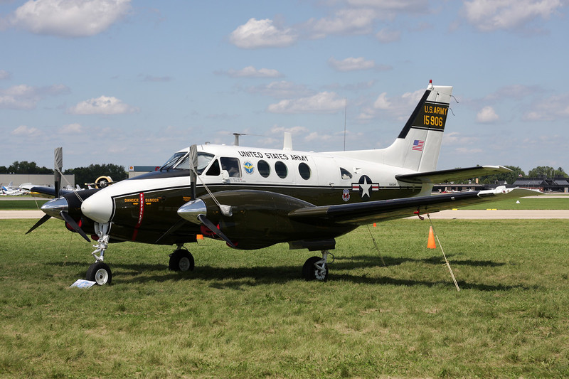 N906HF (15906) Beech U-21G Ute c/n LM-140 Oshkosh/KOSH/OSH 28-07-10