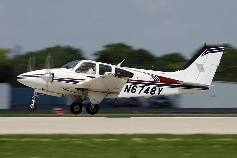N6748Y Beech B55 Baron c/n TC-2317 Oshkosh/KOSH/OSH 29-07-10
