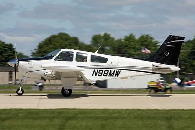 N98MW Beech F33A Bonanza c/n CE-1228 Oshkosh/KOSH/OSH 29-07-13