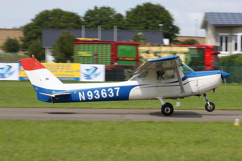 N93637 Cessna 152 c/n 152-85528 Koblenz/EDRK 22-08-17