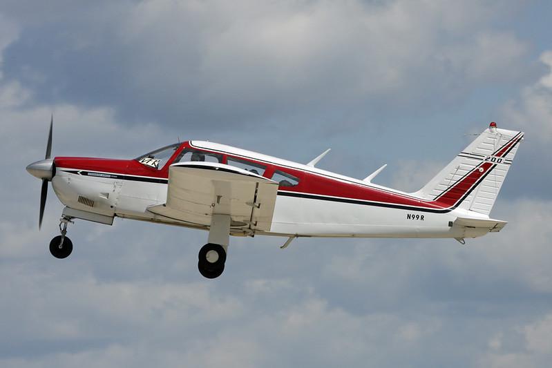 N99R Piper PA-28R-200 Cherokee Arrow c/n 28R-35160 Oshkosh/KOSH/OSH 01-08-13