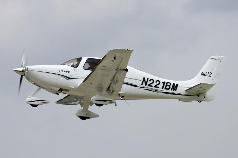 N221BM Cirrus Design SR-22GTS c/n 1901 Oshkosh/KOSH/OSH 26-07-10