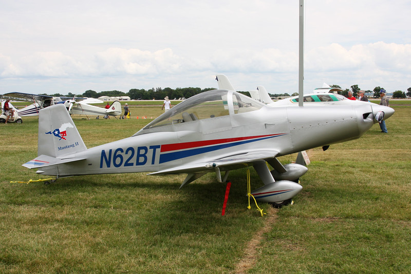 N62BT Bushby-Long Midget Mustang M-II c/n M-II-1502 Oshkosh/KOSH/OSH 30-07-13