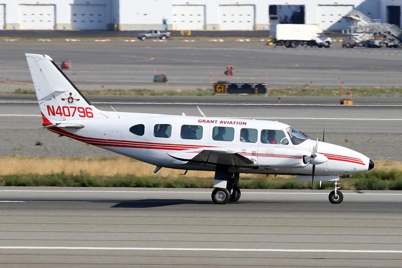 N40796 Piper PA-31-350 Navajo Chieftain c/n 31-8152084 Anchorage-International/PANC/ANC 06-08-19