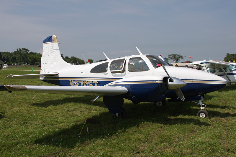 N2705T Beech D95A Travel Air c/n TD-690 Oshkosh/KOSH/OSH 27-07-10