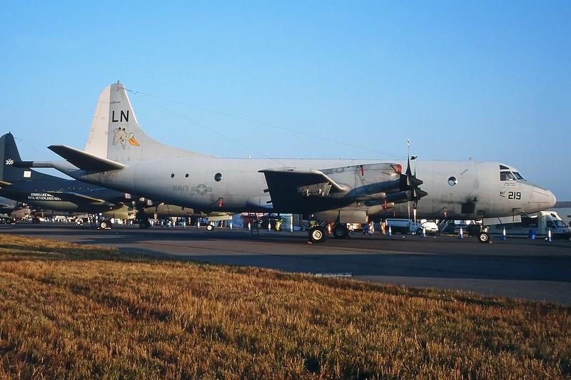 "158219 (LN) Lockheed P-3C IIIR Orion ""US Navy"" c/n 5564 Fairford/EGVA/FFD 25-07-99 (35mm slide)"