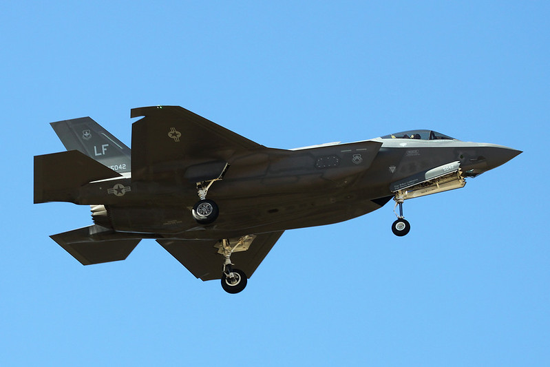 "12-5042 (LF) Lockheed Martin F-35A Lightning II ""United States Air Force"" c/n AF-53 Luke/KLUF/LUF 17-11-16"