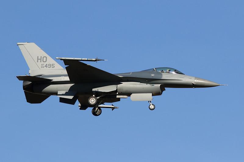 """88-0495 (HO) General Dynamics F-16CG Fighting Falcon """"United States Air Force"""" c/n 1C-97 Luke/KLUF/LUF 31-01-18"""