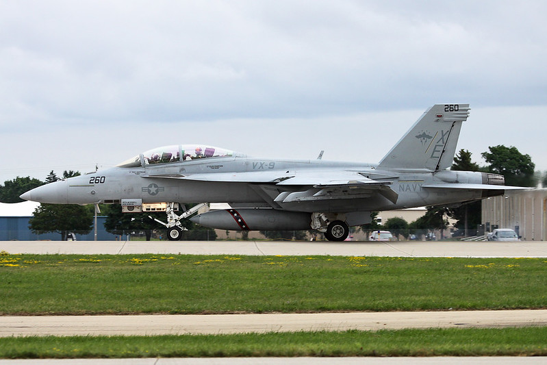 """166791 (XE-260) McDonnell-Douglas F/A-18F Super Hornet """"United States Navy"""" c/n F-164 Oshkosh/KOSH/OSH 28-07-16"""