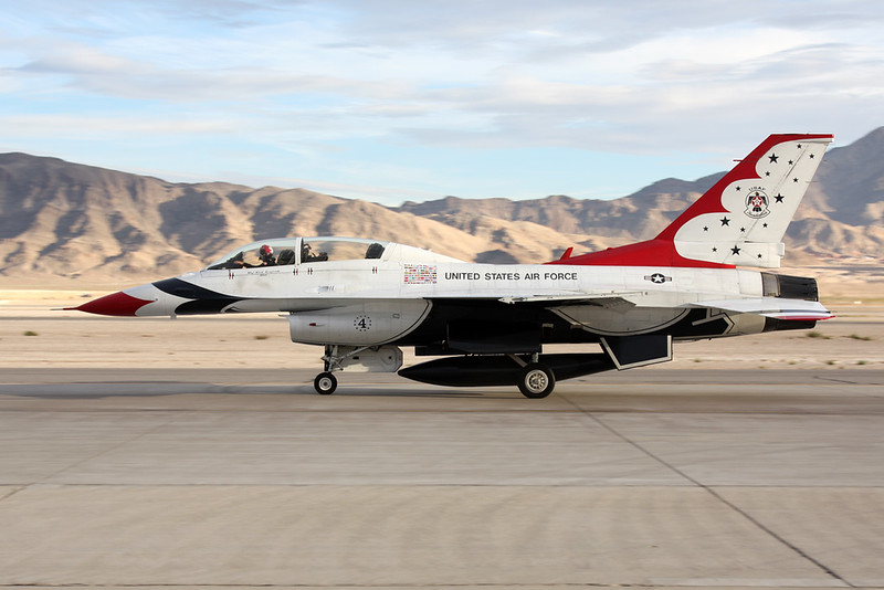 "Unknown (4) General Dynamics F-16 Fighting Falcon ""United States Air Force"" c/n unknown Nellis/KLSV/LSV 12-11-16 ""Thunderbirds"""