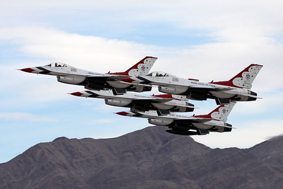 "Unknown General Dynamics F-16 Fighting Falcon ""United States Air Force"" c/n unknown Nellis/KLSV/LSV 12-11-16 ""Thunderbirds"""