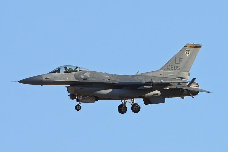 """88-0505 (LF) General Dynamics F-16CG Fighting Falcon """"United States Air Force"""" c/n 1C-107 Luke/KLUF/LUF 15-11-16"""