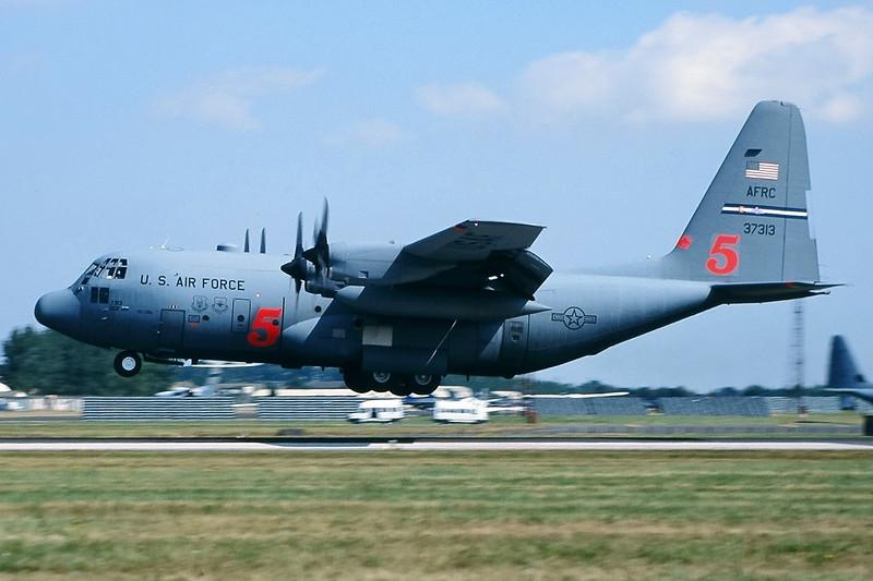 "93-7313 (5) Lockheed C-130H Hercules ""US Air Force"" c/n 5379 Fairford/EGVA 25-07-99 (35mm slide)"