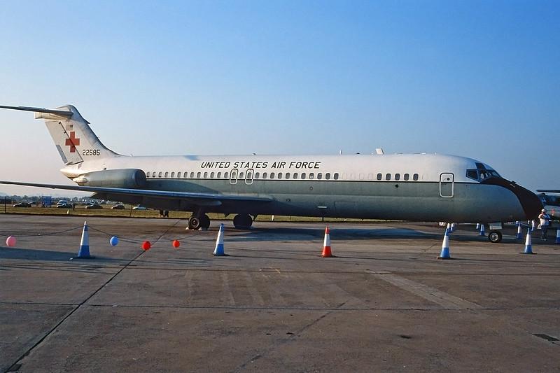 "67-22585 Douglas C-9A Nightingale ""US Air Force"" c/n 47295 Fairford/EGVA/FFD 25-07-99 (35mm slide)"
