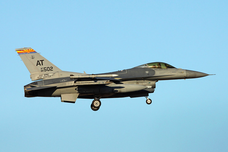 "88-0502 (AT) General Dynamics F-16CG Fighting Falcon ""United States Air Force"" c/n 1C-104 Tucson IAP/KTUS/TUS 14-11-16"
